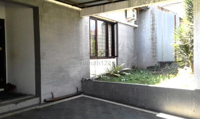 Rumah Cantik di Singgasana  Furnished, Cibaduyut, Bandung