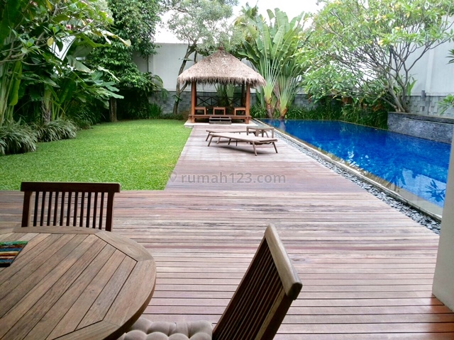 BRIGHT MODERN HOUSE WITH BEAUTIFUL GARDEN AND S.POOL #2.4.14-B-15.22.9.19.22.1.18, Cilandak, Jakarta Selatan