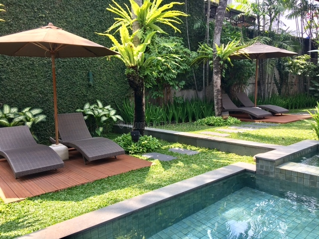 3BEDROOM IN A COMPOUND WITH SHARED POOL, Cipete, Jakarta Selatan
