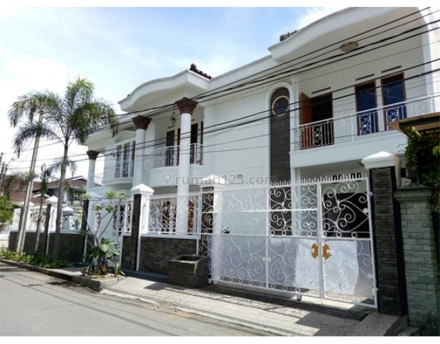 butuh uang rumah daerah tubagus ismail bandung, Dago, Bandung