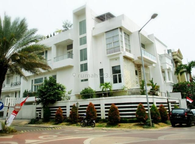 Rumah Mewah  Hoek Jl Raya Casablanca Bukit Gading Mediterania Kelapa Gading, Kelapa Gading, Jakarta Utara