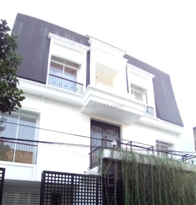 Klasik Modern Brand New 3 Lantai Di Cipete, Cipete, Jakarta Selatan
