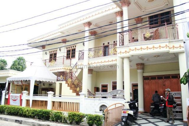 Rumah Mewah Siap Huni Posisi Hook Jalan Lebar Dekat Puri Beta 1 Ciledug, Ciledug, Tangerang