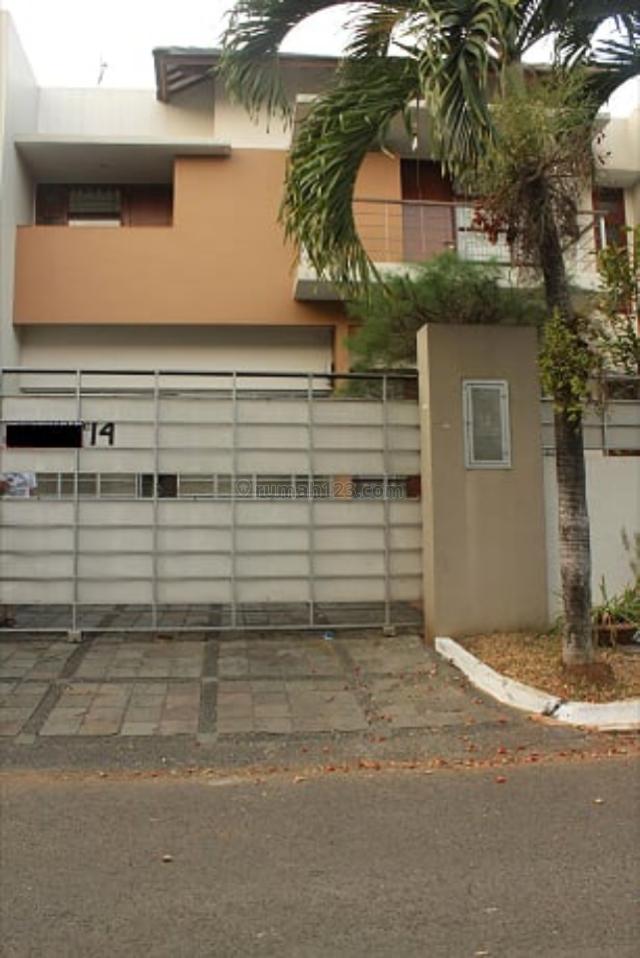 Rumah Mewah dan Nyaman, Pondok Indah, Jakarta Selatan