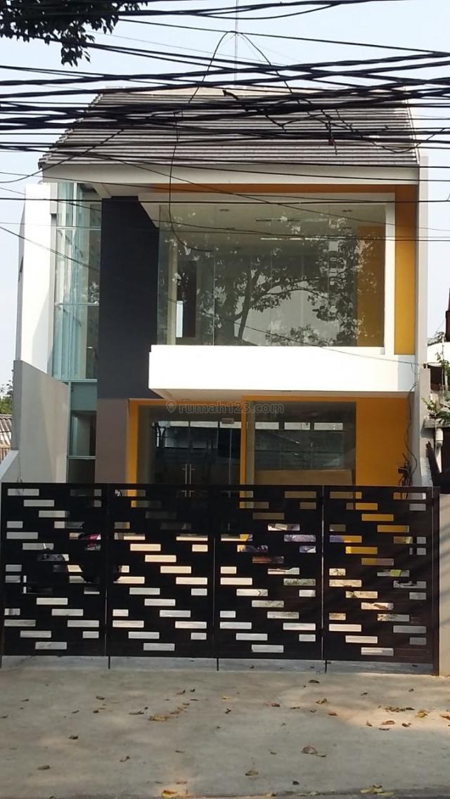 Rumah Kantor Di Pinggir Jalan Raya di Kebayoran Baru Jakarta Selatan, Kebayoran Baru, Jakarta Selatan