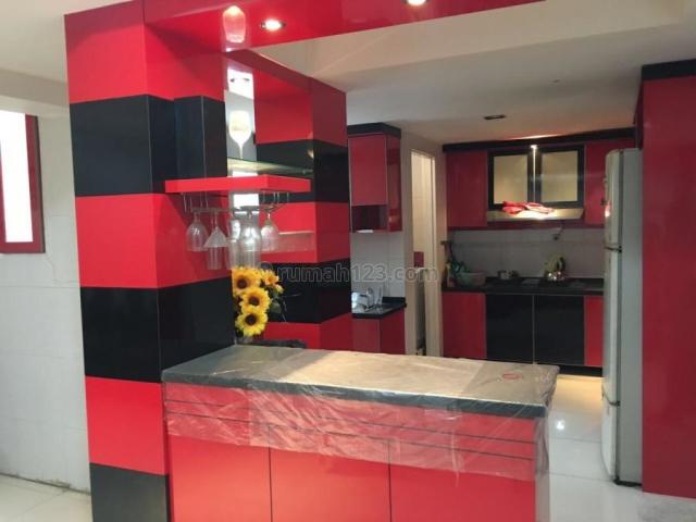 AKASIA GOLF - PIK , 8 x 18 renov furnish , bagus harga hanya 5.1 M saja !, Pantai Indah Kapuk, Jakarta Utara