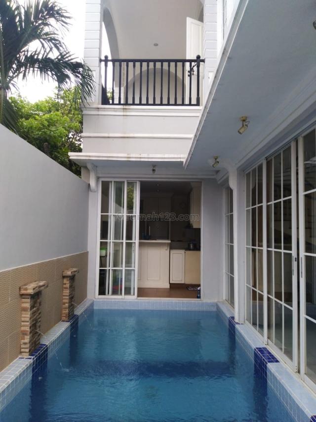 Rumah Besar Apik di Grisenda (HL), Taman Grisenda, Jakarta Utara
