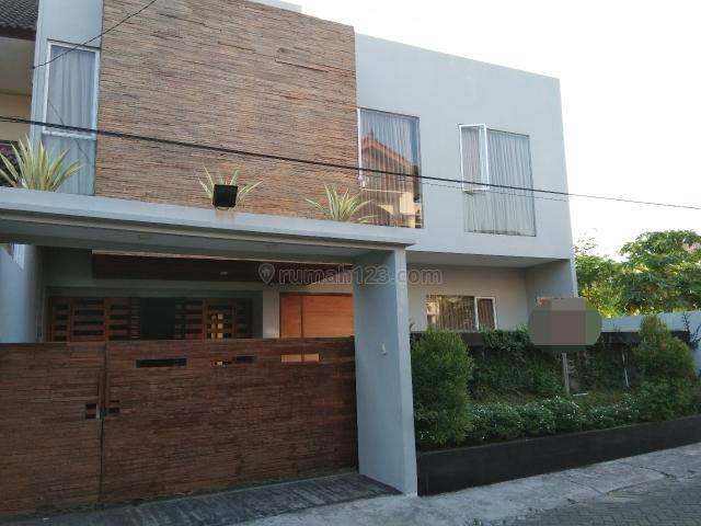 BANTING HARGA...!!! Rumah MEWAH ISTIMEWA 2 Lantai Full Artistik ada Kolam Renang nya FULLY Furnished di Dekat Bale kota Timoho Yogyakarta, Gondokusuman, Yogyakarta