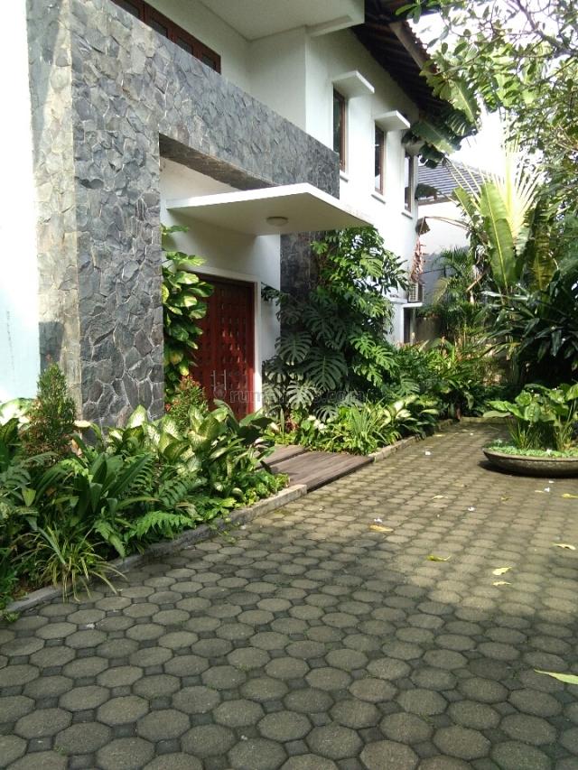 cozy house in @ nice and quite area, Cilandak, Jakarta Selatan