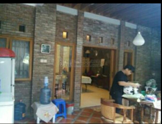 Rumah cantik asri aman dan nyaman, Setiabudi, Bandung