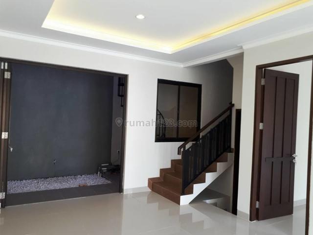 Rumah 2 Lantai mewah di condet, Cawang, Jakarta Timur