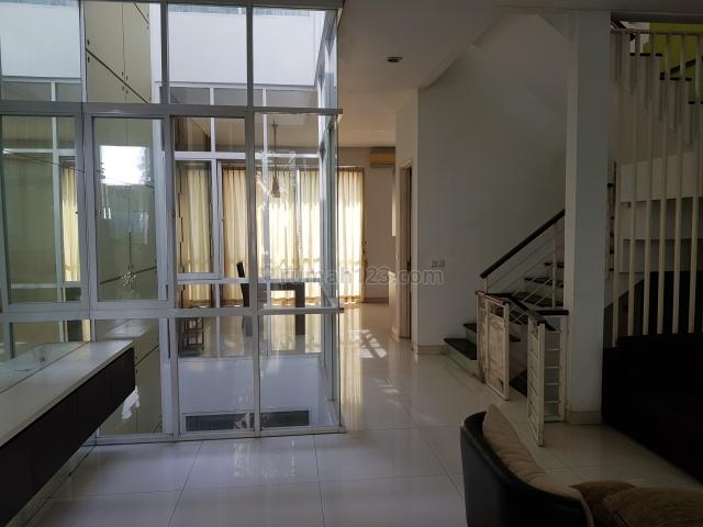 Rumah Tinggal Townhouse Fasilitas Apartemen di Tomang Jakarta Barat, Tomang, Jakarta Barat