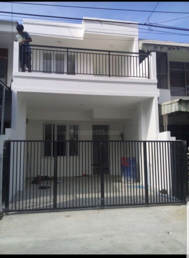 Rumah mungil minimalis 2 lantai, Kelapa Gading, Jakarta Utara