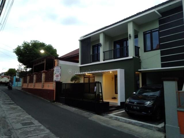 Rumah Baru Gaya Modern di Condongcatur dekat Kampus FE UII dan Amikom, Condong Catur, Sleman