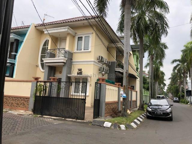 Rumah 2 lantai, hoek, jalan utama, citra garden 5, Citra Garden, Jakarta Barat