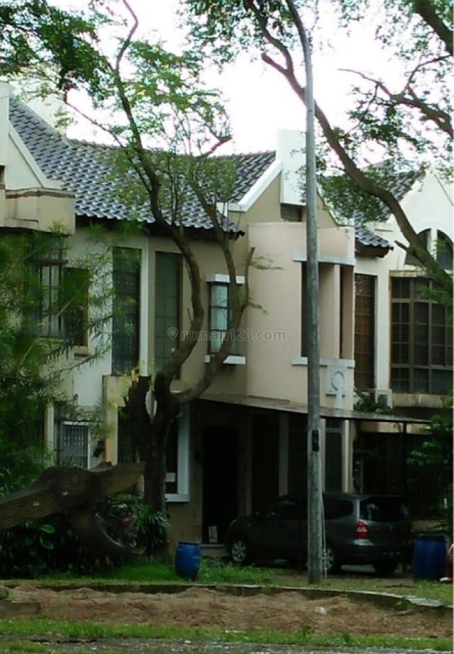 rumah di Taman New Britania, Lippo Karawaci, Tangerang