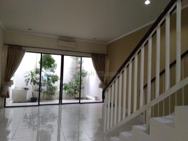 Rumah Modern Minimalis siap huni, Cilandak TB Simatupang Jakarta Selatan, Cilandak, Jakarta Selatan