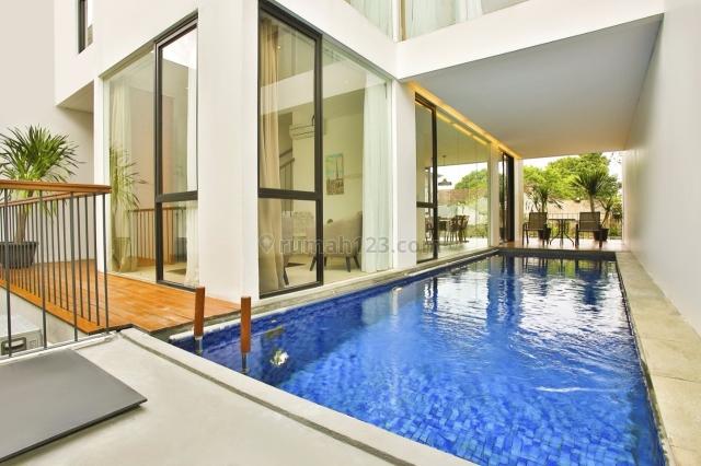 Rumah dalam cluster di Kemang ada lift dan private pool, Kemang, Jakarta Selatan