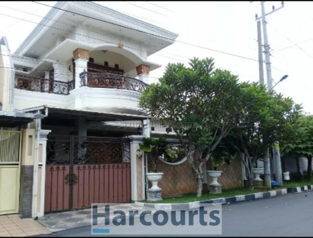 Rumah megah mewah arsitektur Eropa di perumahan paling bergengsi, Sukoharjo, Sukoharjo