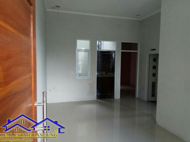 rumah dua lantai di arcamanik, Arcamanik, Bandung