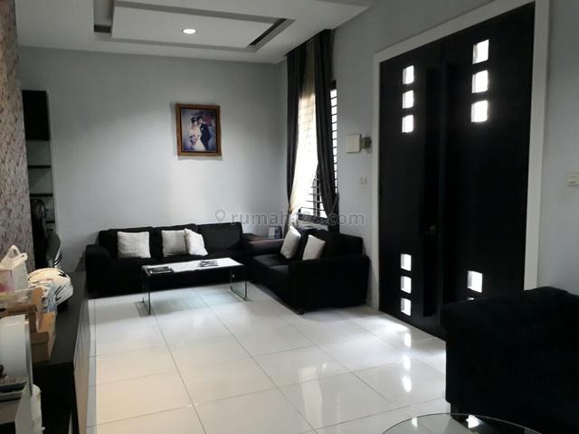 Rumah 2 Lantai Full Furnish langsung huni sangat layak pakai, Kelapa Gading, Jakarta Utara