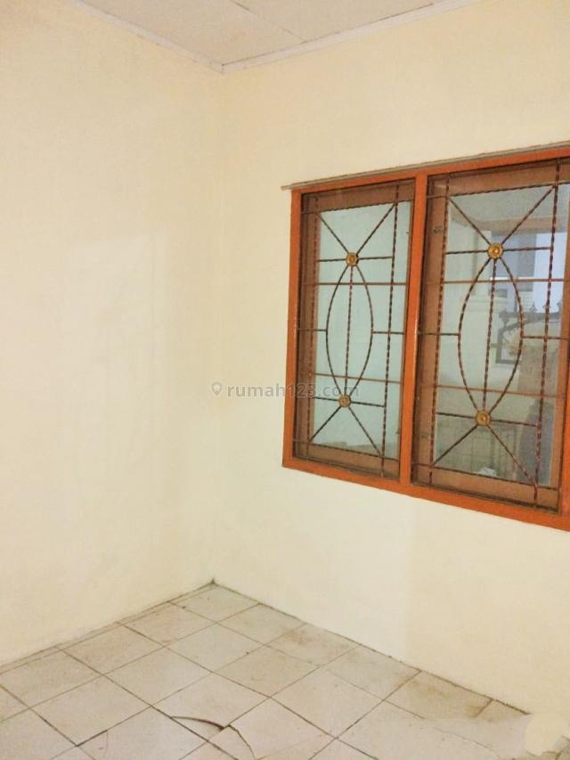MURAH rumah di Poris siap huni ada GARASI dekat stasiun, Toll Green Lake dan Alsut, Poris, Tangerang