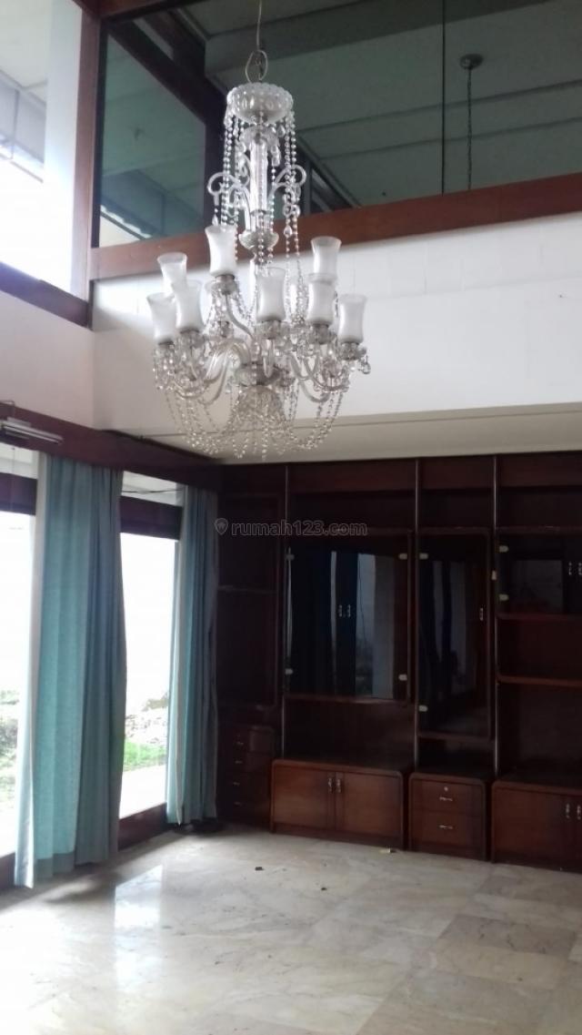 Rumah dibudisari lokasi strategis, Setiabudi, Bandung