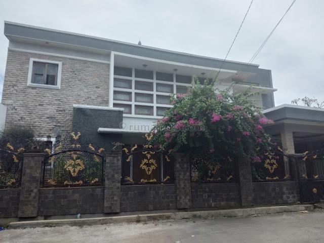 Rumah cantik di Permata Pekayon, Pekayon, Bekasi