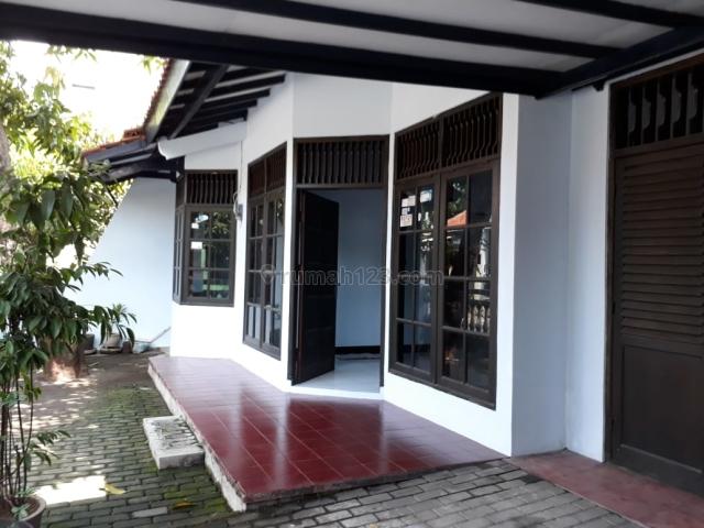 RUMAH ISTIMEWA SIAP TINGGAL DI KAWASAN HUNIAN YANG NYAMAN, Pusponjolo, Semarang