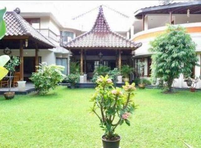 GUEST HOUSE 9BEDROOM FULL KAYU JATI #B9-13.1.12-TYA, Bintaro, Jakarta Selatan