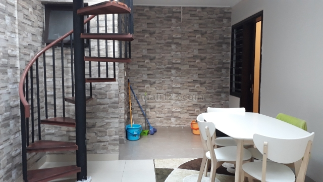 Rumah Cantik Siap Huni Di Green Lake City, Kresek, Tangerang