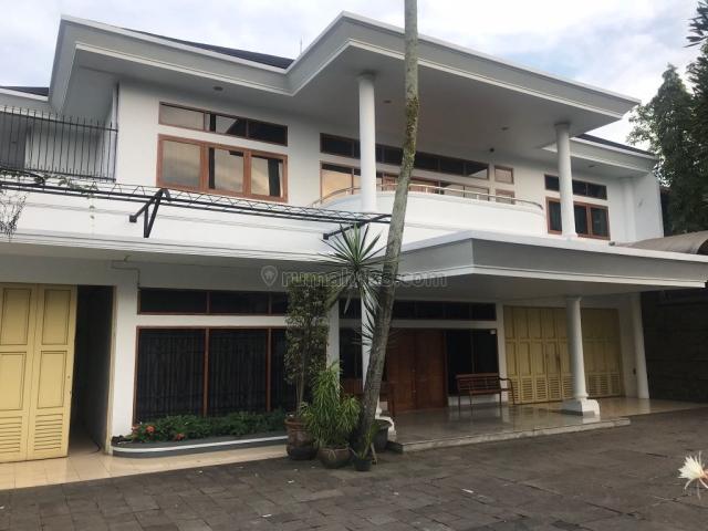 rumah lux siap huni lingkungan asri dan sejuk sayap jln ciumbuleuit, bandung utara, Ciumbuleuit, Bandung