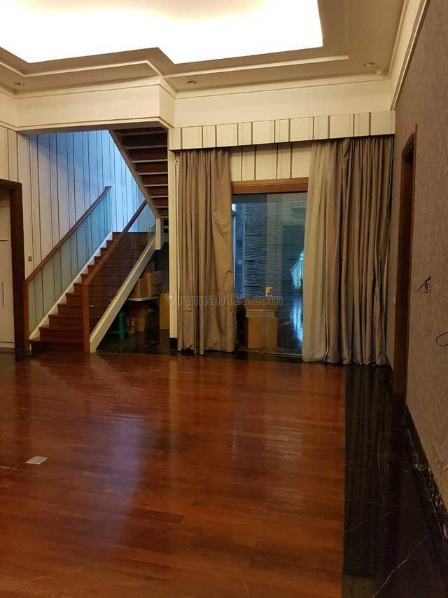"Comfortable house in the best place Senopati area ""negotiable"", Senopati, Jakarta Selatan"