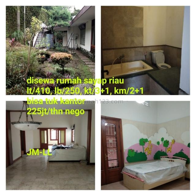 Rumah Ala Neo Klasik Sayap Riau Bandung , Jawa Barat, Riau, Bandung