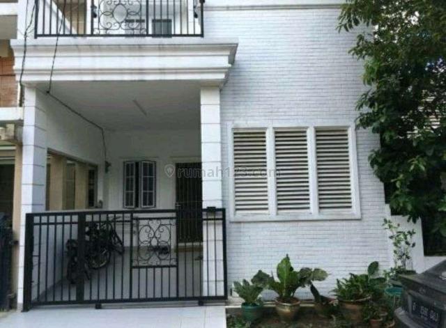 Rumah Minimalis 2 lantai di Serpong Park, Jelupang, Tangerang