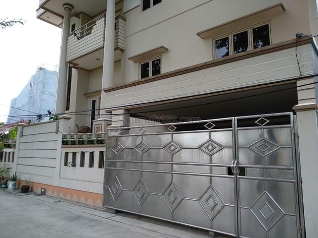Rumah Hoek 12x17,5, 3 Lantai, Komplek Walikota, Kelapa Gading, Kelapa Gading, Jakarta Utara