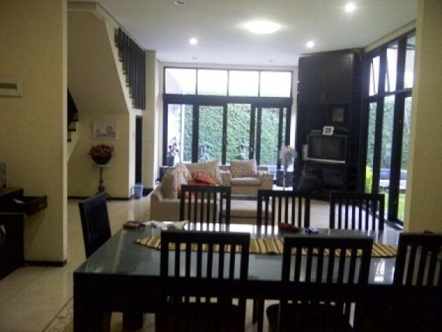 Rumah LUX mewah Full Furnish dan kolam renang dalam Cluster Arcamanik, Arcamanik, Bandung
