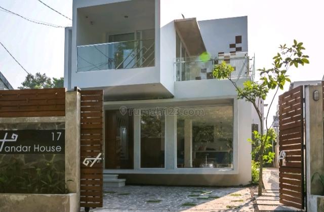Rumah dijual 2 lantai, 7 kamar hos4553604 | rumah123.com