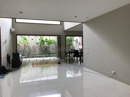 Nice House For Rent For Your Family, Cipete, Jakarta Selatan