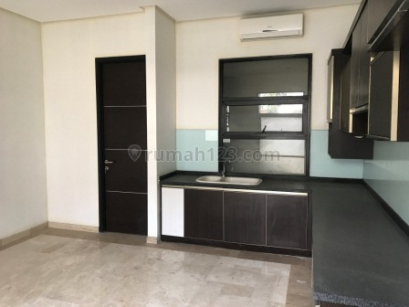 Minimalist and nice house in Cipete, Cipete, Jakarta Selatan