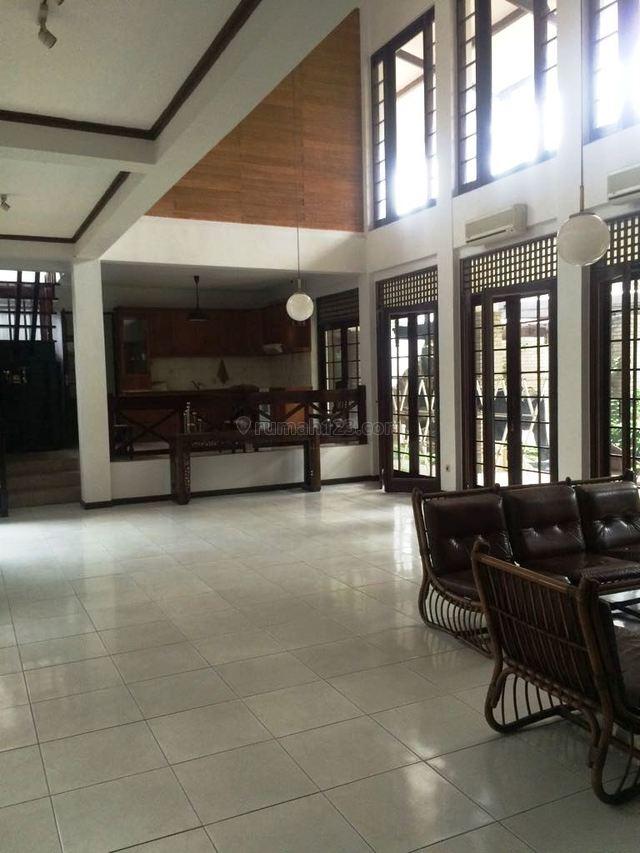 Rumah Luas Asri Di Lebak Bulus Jakarta Selatan, Lebak Bulus, Jakarta Selatan