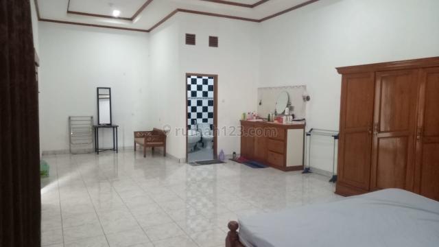 Rumah sayap Sutami Rumah yang besar bernuansa Kayu Jati  yg Nyaman., Setra Sari, Bandung