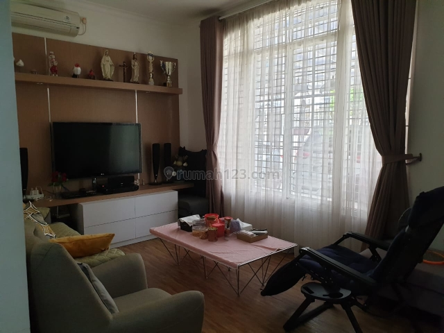 Rumah greenlake city cluster eropa renov 2.5lt semi furnished shm, Kresek, Tangerang
