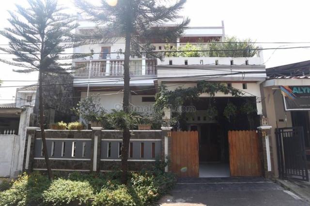 Rumah 2 Lantai dalam Komplek daerah Rawabadak - Jakarta Utara, Rawa Badak, Jakarta Utara