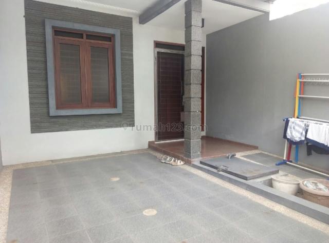 Jarang Ada - Rumah Minimalis Siap Pakai di Taman Holis Indah 2 dekat Kopo, Sumbersari Bandung, Holis Cigondewah, Bandung
