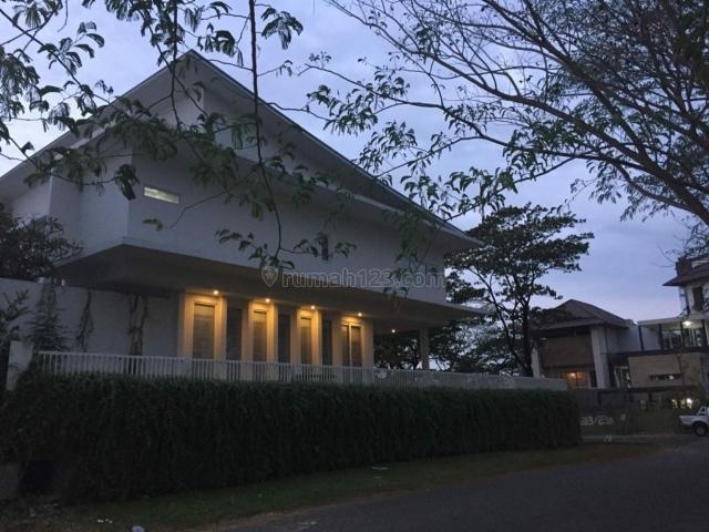 Rumah Raya Bukit Golf Internasional Kondisi Full Furnish Mewah, Ada Kolam Renang, Harga Bersahabat, Citraland, Surabaya