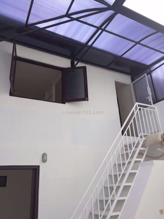 Rumah Bagus di Jl Danau Mahalona, Benhil, Jakpus, Bendungan Hilir, Jakarta Pusat