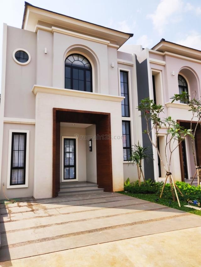 5 Menit ke Mall Living World! Rumah Modern Minimalis 4 Kamar Tidur dengan Private Garden di Cluster Sutera Feronia Park, Alam Sutera, Alam Sutera, Tangerang
