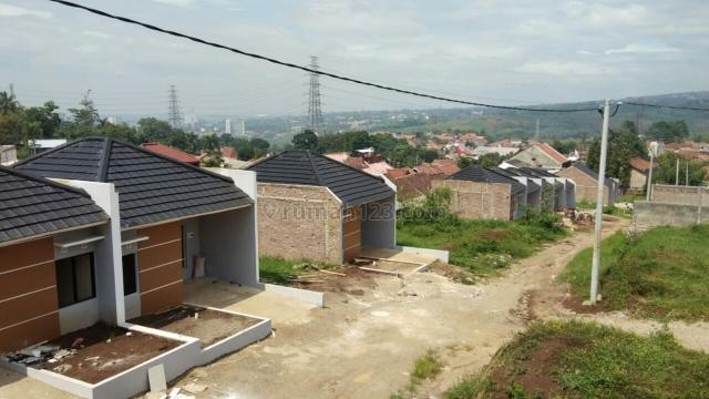 Rumah Model Minimalis Baru Nyaman,  Asri dengan Pemandangan Indah Kota Bandung,  Hawa Sejuk,, Jatinangor, Bandung