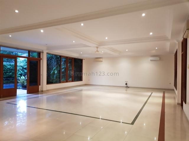a cozy house with a nice spacious garden, Kemang, Jakarta Selatan